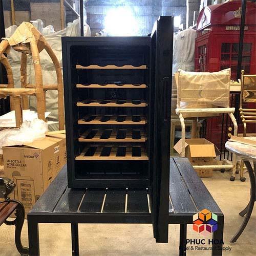 Tủ bảo quản rượu vang BCW-70A